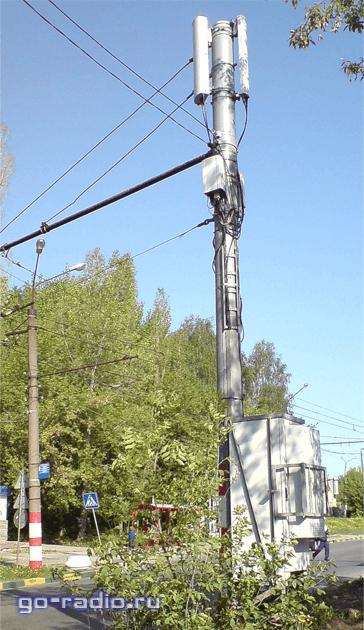 Аппаратура сотовой связи на столбе электроснабжения
