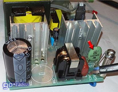 NTC-термистор JNR10S080L на плате зарядного устройства