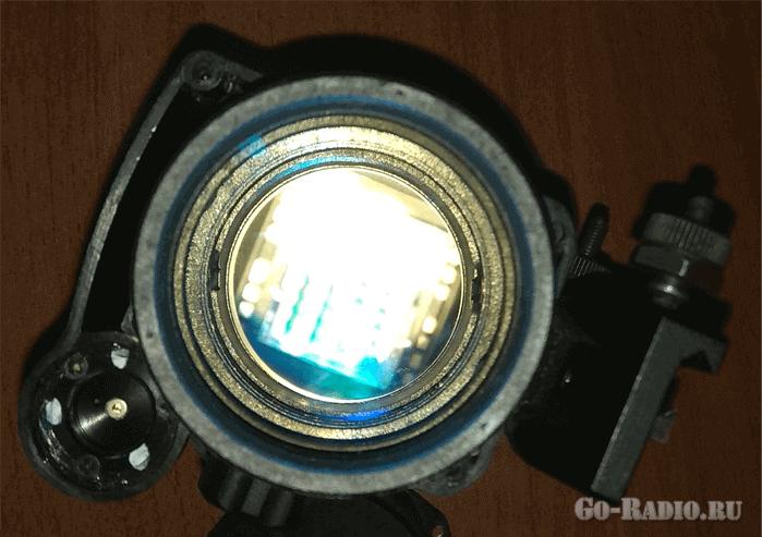 Вид CCD-матрицы сквозь линзу объектива